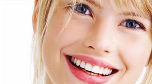 Como acabar com os dentes amarelados - passo a passo, dicas